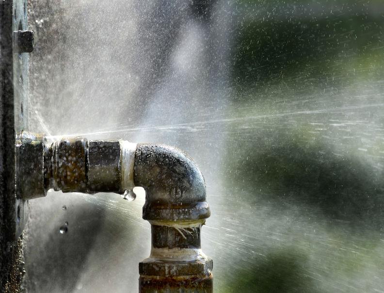 Fuite d'eau canalisation, plombier Caen